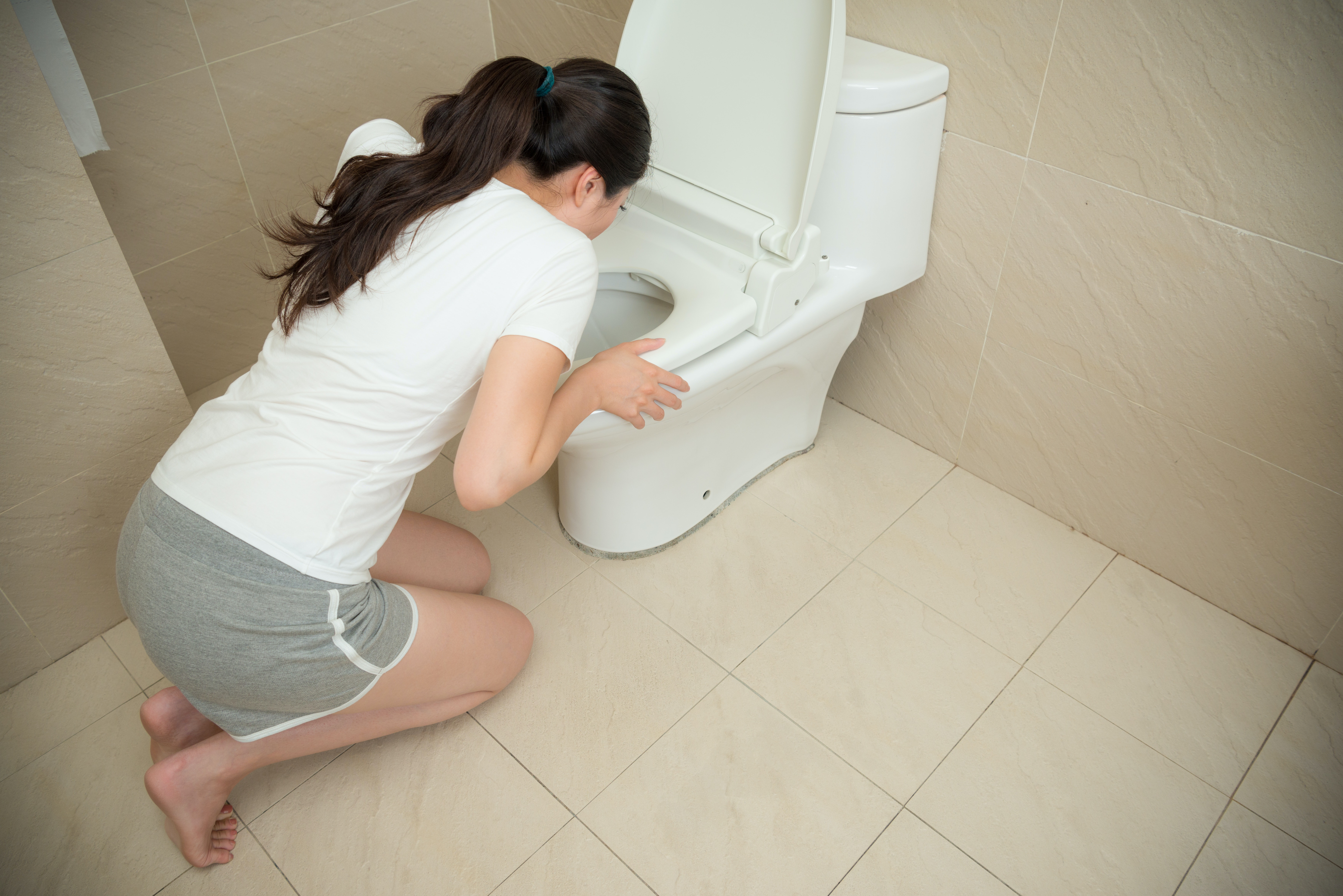 Vomiting of bile in a child: causes, treatment