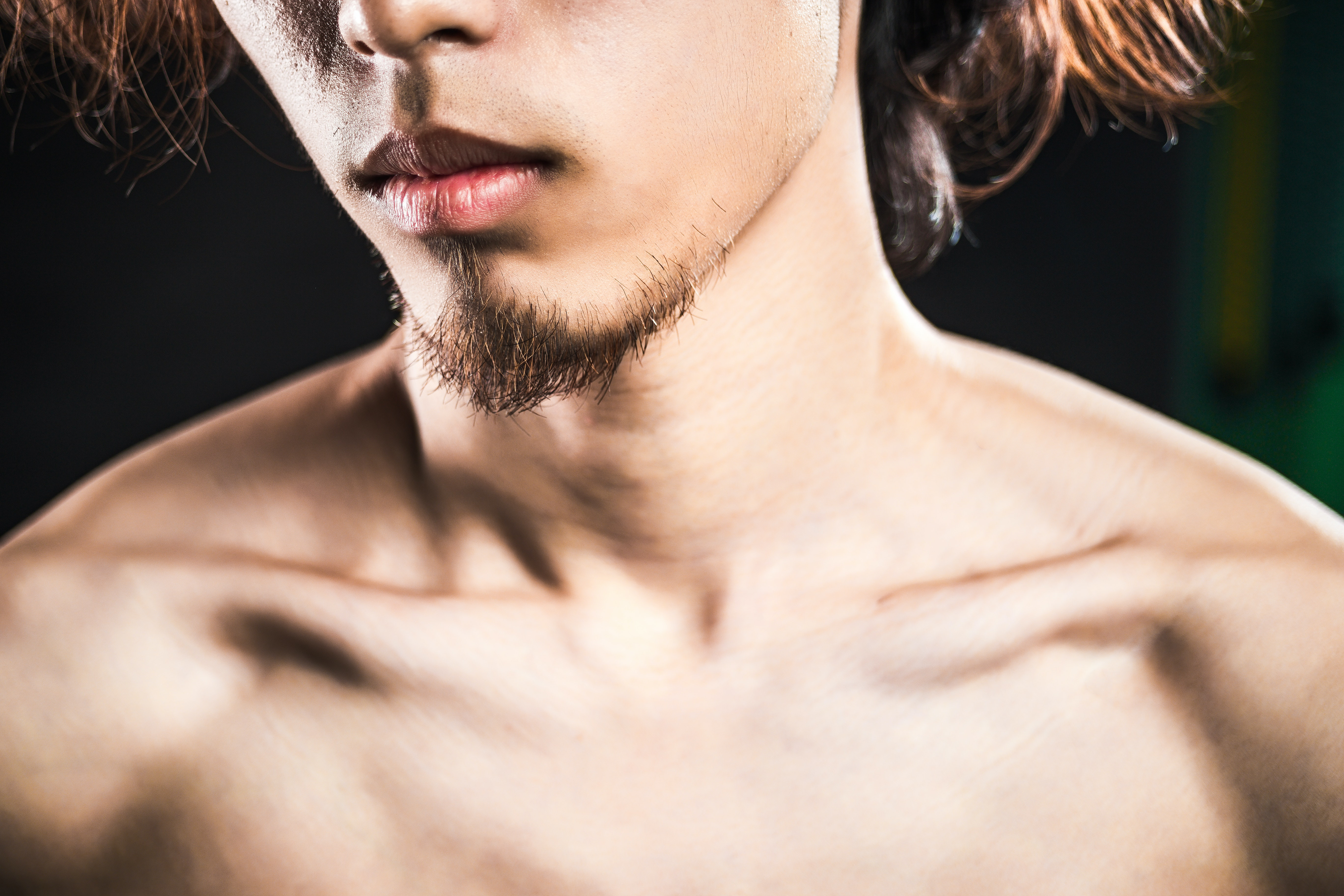 An image depicting a person suffering from collarbone pain symptoms