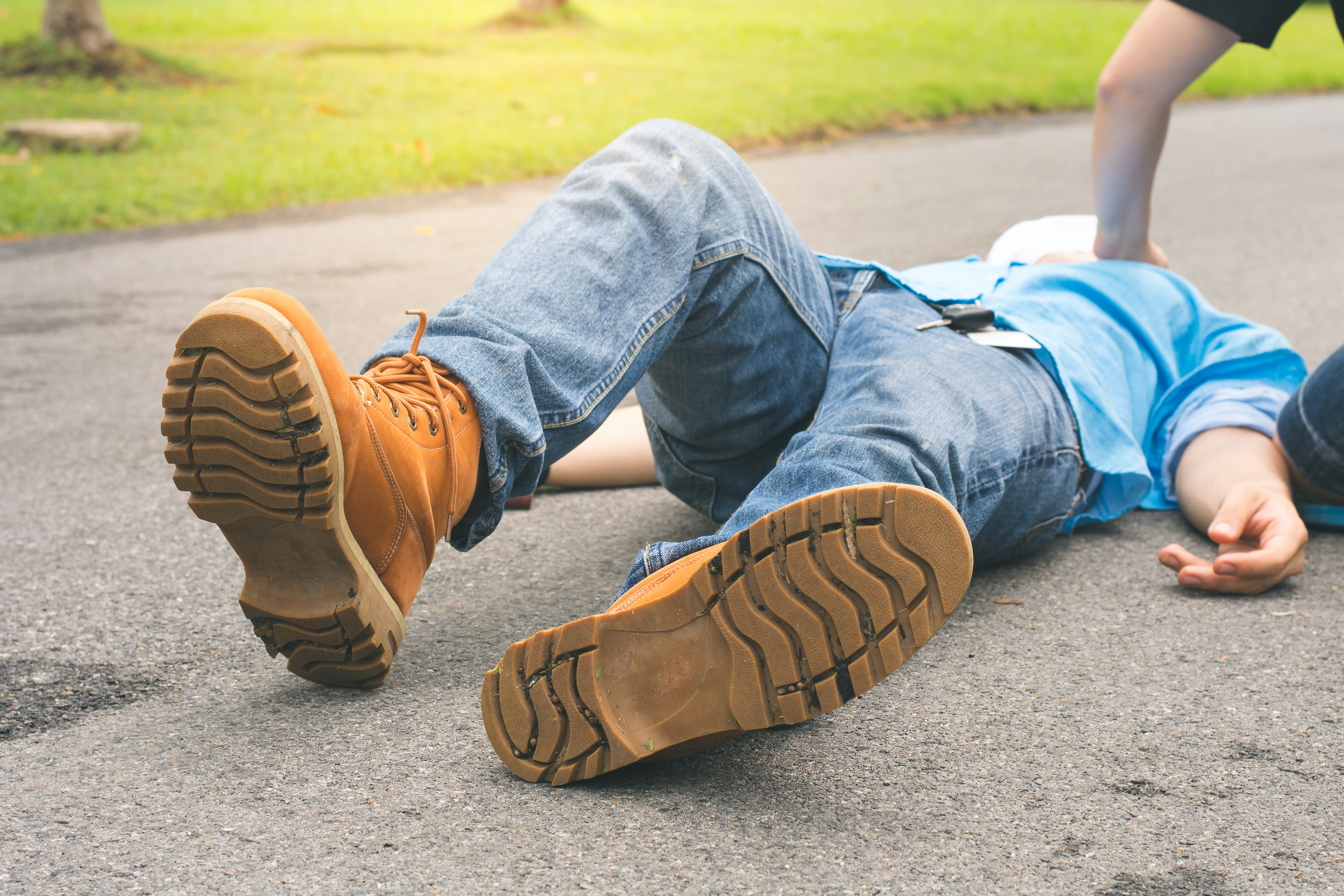 An image depicting a person suffering from fainting after exertion symptoms