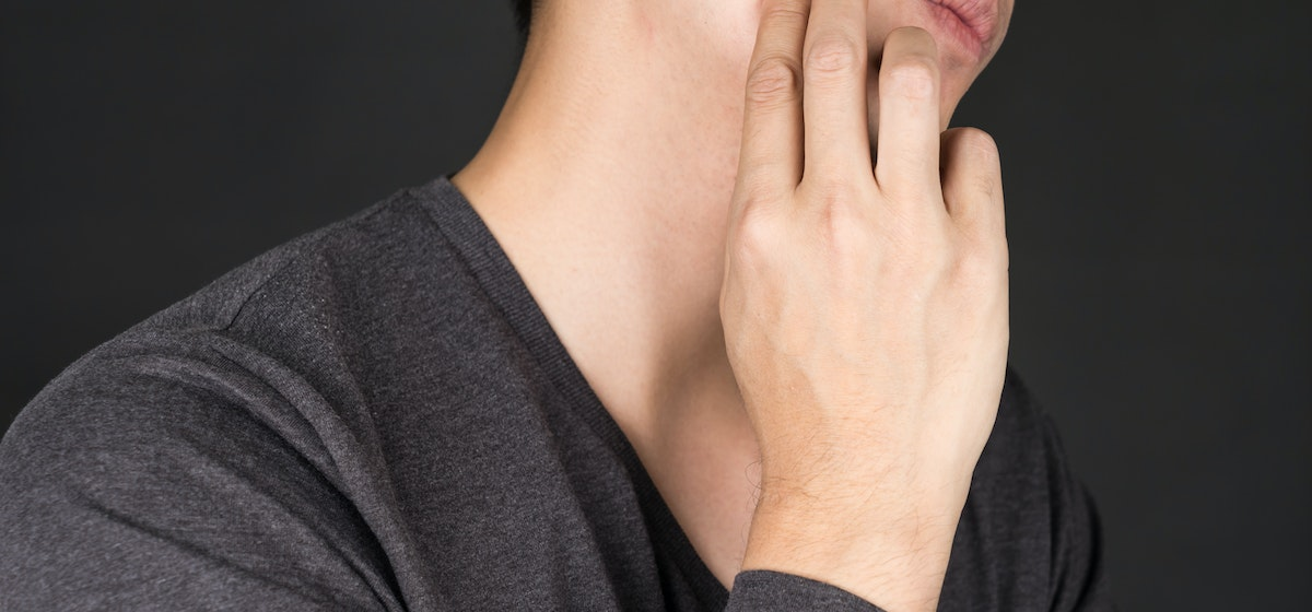 Hard Jaw Lump Symptoms, Causes & Common Questions | Buoy