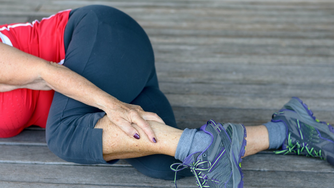 Lower Leg Pain: Causes, Symptoms & Common Doctor Questions
