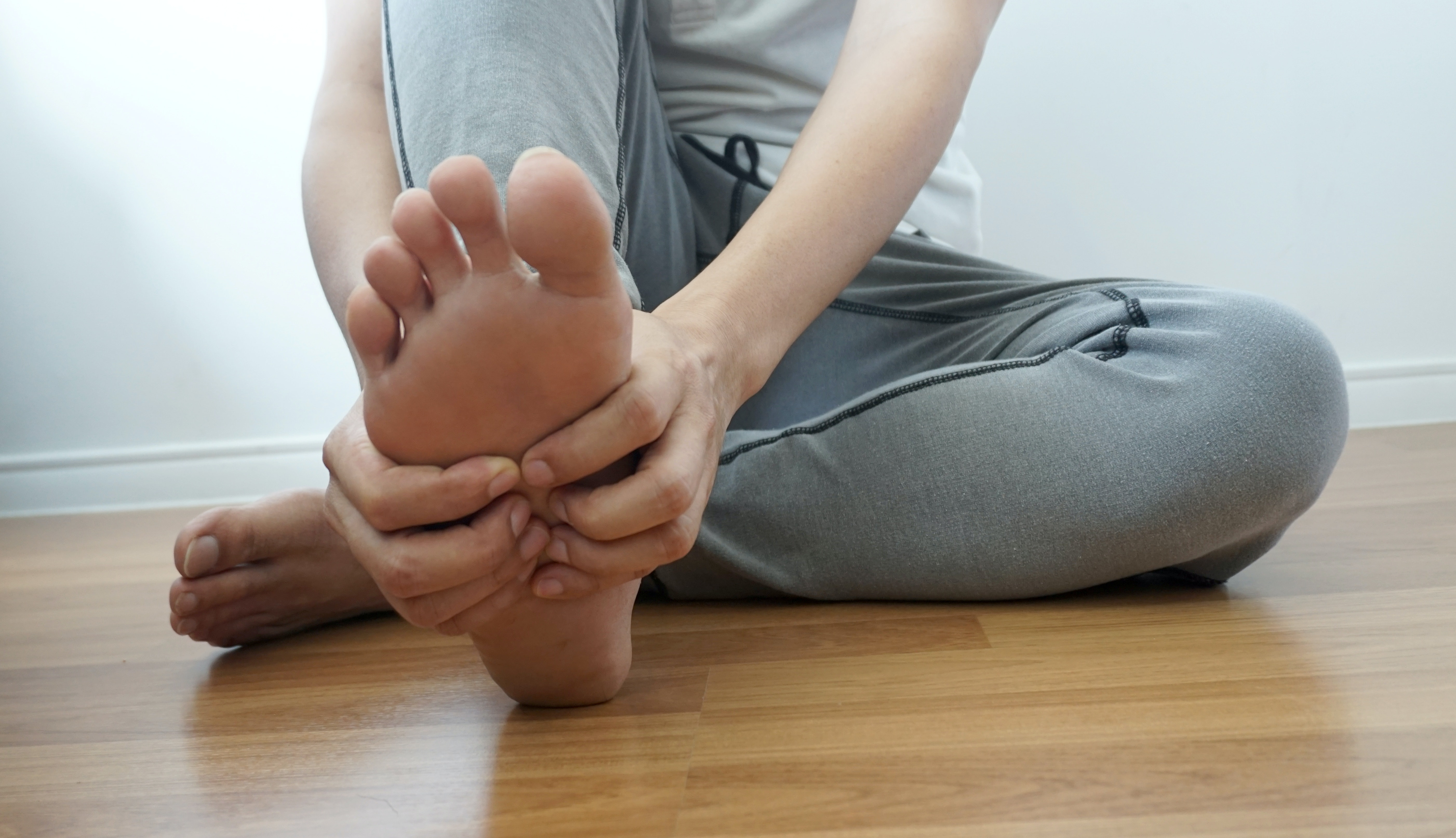 Numbness In The Pinky Toe Side Of The Foot Symptoms Causes Buoy
