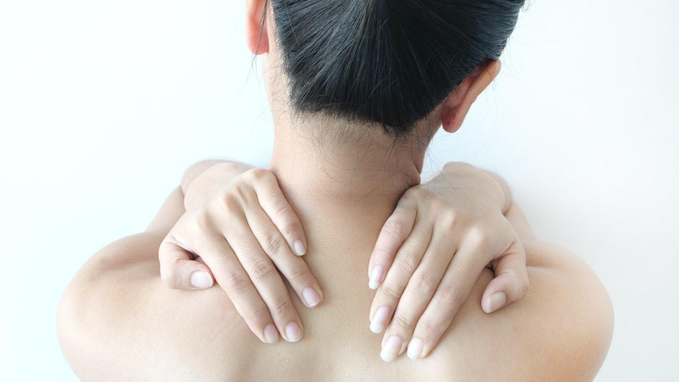Pain in Both Shoulders | 8 Causes for Bilateral Shoulder