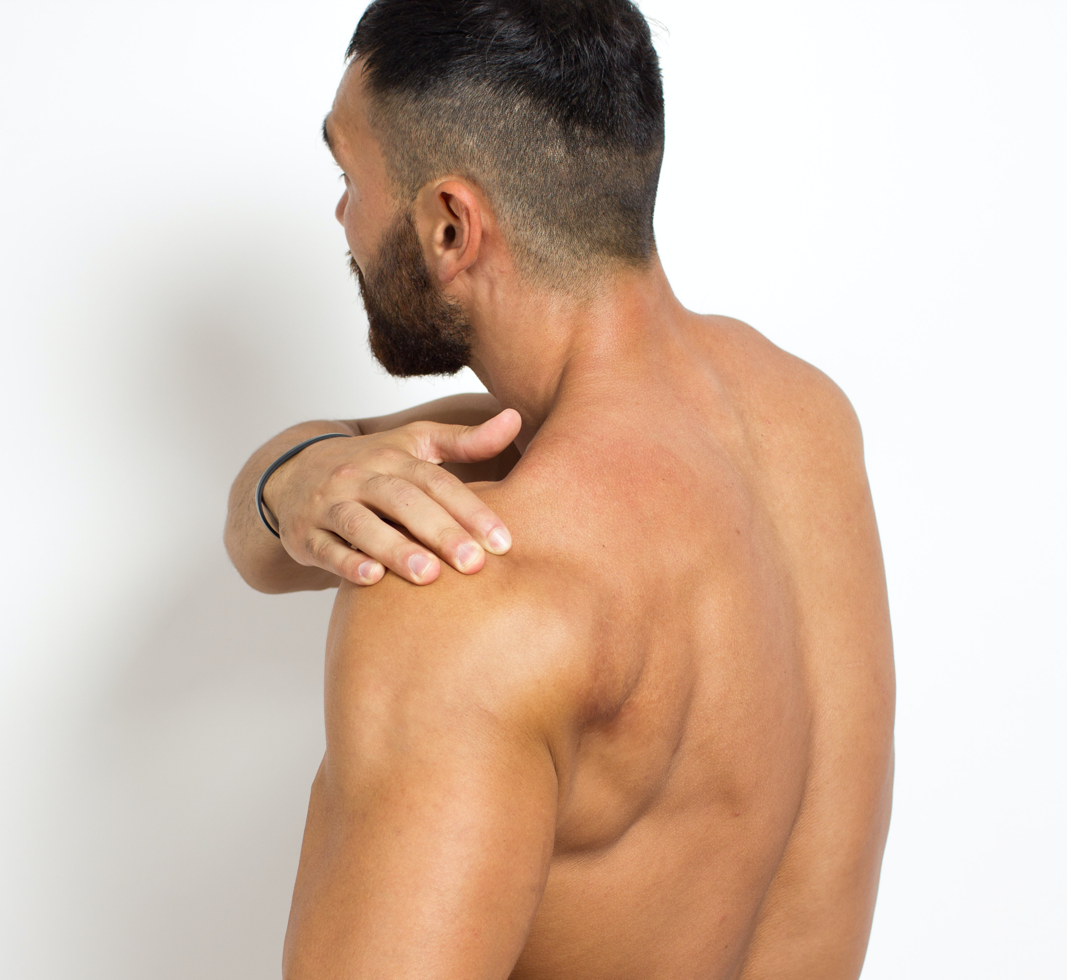 An image depicting a person suffering from swelling of both shoulders symptoms