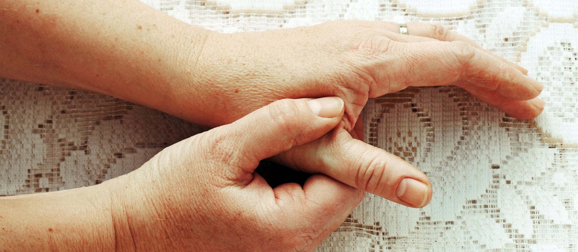 Arthritis, Infections & Broken Thumbs: Top Thumb Pain Causes | Buoy